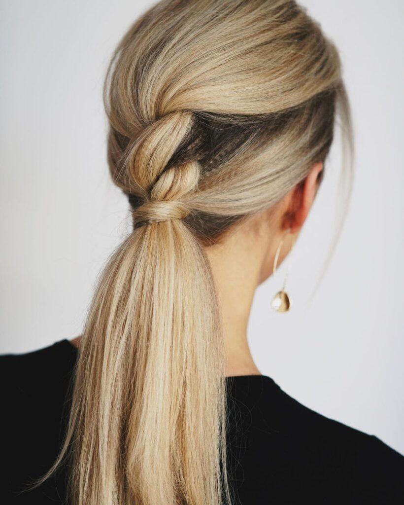 Ponytail con capelli intrecciati