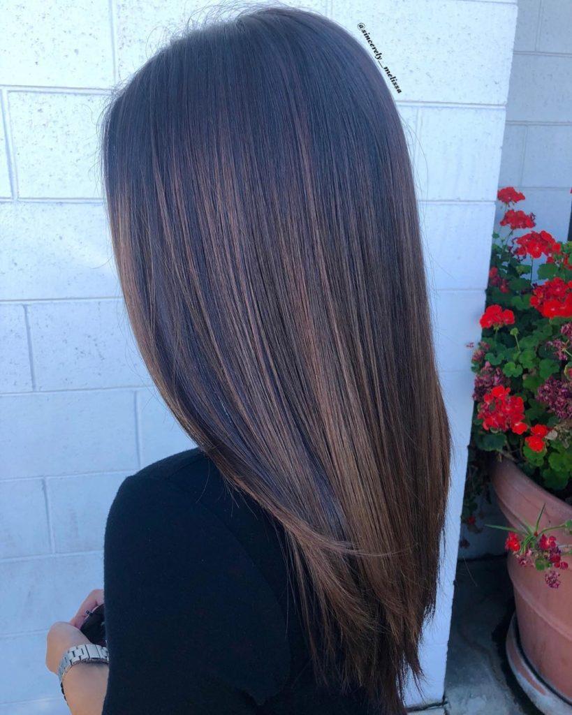 balayage-sulle-tonalità-del-bronzo-e-del-caramello-per-capelli-castano-scuro